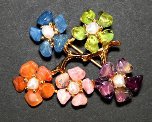 Swoboda floral brooch