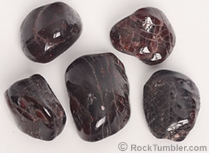 Polished garnets with fractures