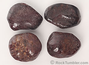 Polished garnets with inclusions