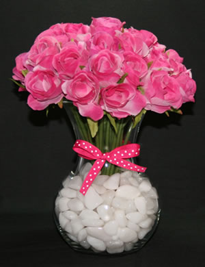 roses with white quartz vase filler