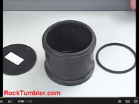 Thumler's lid retaining ring
